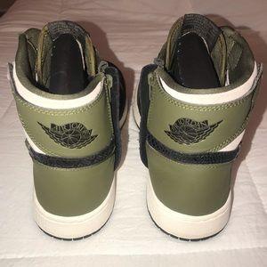 Nike Shoes - NWOB Nike Air Jordan 1 Retro High
